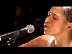 ▶ Ayo - Down on my Knees - Perfect Live Performance - YouTube - this song is so amazing