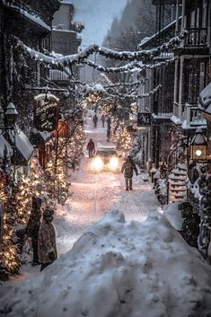 Christmas Feeling, Cozy Christmas, Places To Travel, Places To Go, Le Petit Champlain, Christmas Wonderland, Winter Wonderland, Winter Scenery, Christmas Scenes