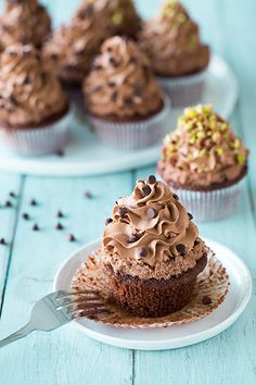 Chocolate Cannoli Cupcakes - Cooking Classy