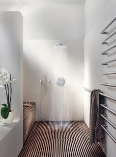 Using no dividers in bathroom