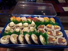 Bandeja de #sushi del #restaurante Asako a domicilio #japones #Malaga  www.foodmesenger.com