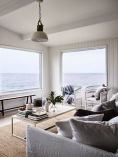 'CLIFF HOUSE'-STUNNING WATERFRONT POSITION - Apartments for Rent in Mollymook Beach, New South Wales, Australia