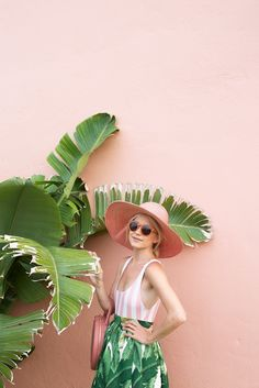 Atlantic-Pacific - summer in the tropics in a palm print skirt & pink striped one piece Manequin, Tout Rose, Solid And Striped, Atlantic Pacific, Pink Stripes, Mode Style, Summer Of Love, Pink And Green, Kelly Green