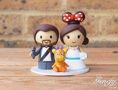 Emcee groom and Minnie bride with giraffe toy wedding cake topper  by Genefy Playground https://www.facebook.com/genefyplayground