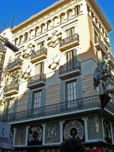 Casa Bruno Cuadros - Casa dels Paraigües Barcelona
