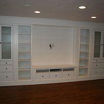 When renovating my basement I knew I wanted a wall of built ins. Keepi… :: Hometalk