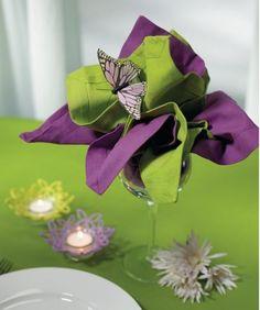 Decoración de mesa con mariposas. #DecoracionEvento