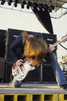 Cliff Burton. Best bassist of all time.