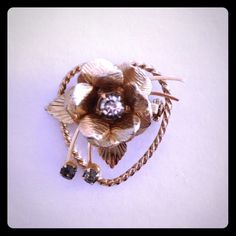 Host Pick 1-3-15 Vintage Pin Beautiful gold vintage pin. Host pick on 1/3/15!  Jewelry