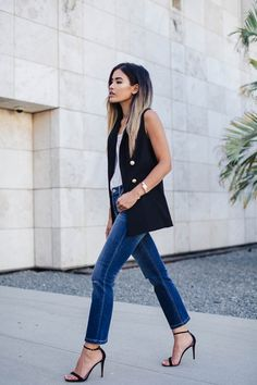 FASHION BLOGGER STYLE - LITTLE BLACK BOOTS #howtochic #ootd #outfit