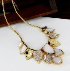 Anniversary gift elegant leaves pendant woman necklace.