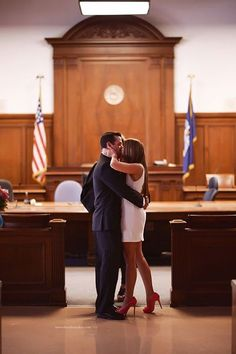 Courthouse wedding small wedding 25 Stunning Photos That Will Make You Want to Elope Casual Wedding, Boho Wedding, Dream Wedding, Trendy Wedding, Wedding Fun, Spring Wedding, Wedding Bells, Wedding Disney, Tamil Wedding