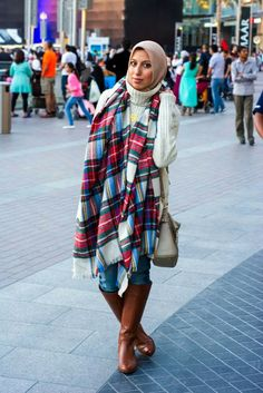 HH Style Guide: Plaid Blanket Scarf + Oversized Sweater + Riding ...