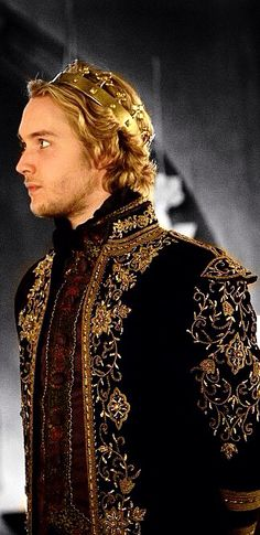 Francis, Reign, Toby Regbo