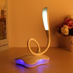 Brightness USB Reading Light LED Table Lamp Touch Desk Lamp Eye Protection LED Night Light Lamp Book Light 3 Level Dimmable
