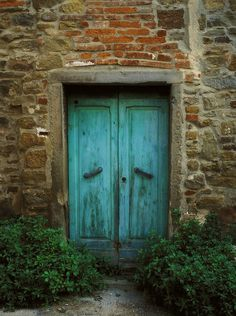 ,Turquoise and brick are lovely together......