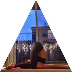 Ear pressure pose // Karnapidasana // Calming, night yoga practice