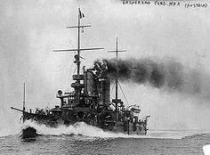 """SMS Erzherzog Ferdinand Max [a] (en alemán: """"La nave de Su Majestad el archiduque Fernando Maximiliano"""") era un acorazado pre-dreadnought construido por la Armada Austro-húngaro en 1902. El segundo barco de la Erzherzog Karl clase , ella se puso en marcha el 21 de mayo 1905. Ella fue asignado a la división de acorazados III."""