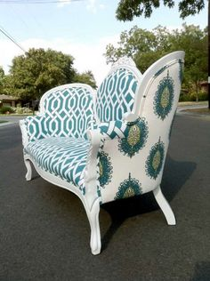"""We like to use bold fabrics for a fresh and modern feel"" when revamping furniture to sell or working on a custom piece for a client, Allison Guenther says. Photo: Haus Of Antiquities & Other Curi, Aqua Settee"
