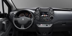The tall driving position gives optimum vision and ergonomic instruments and controls with a steering wheel adjustable for height and reach – rare in the segment Peugeot, Vans, Activities, Business, Instruments, Van, Store, Business Illustration, Musical Instruments