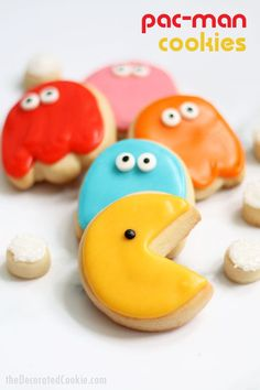 How to decorate Pac-Man cookies -- 1980s video games -- #pacman #cookies #decoratedcookies #1980s #videogames