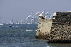 Salida de los grandes Veleros de la Gran Regata 2012 de Cádiz