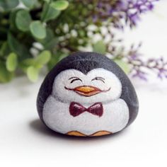 "86 Likes, 4 Comments - Is.ideastone (@is.ideastone) on Instagram: ""Little penguin stone painted #stonepainting #paintedstones #stoneart #paintedrocks #paintings…"""