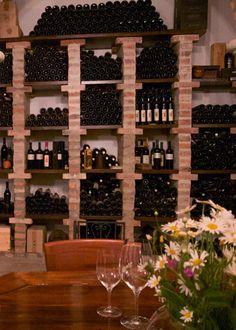 Voor de wijnliefhebber is Goriška Brda een must. Hier werd al voor de Romeinse tijd wijn gemaakt en voor een drank zo delicaat als wijn is die lange traditie van wijn maken en verfijnen van onschatbare waarde.