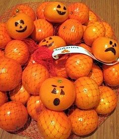 Here's a Great alternative to toss in the #Halloween trick or treat bags. You're kids can help with the decoration too, and it's less messy than carving pumpkins :)