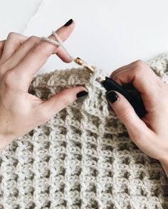 Crochet Stitches Patterns, Knitting Stitches, Stitch Patterns, Beginner Crochet Stitches, Crochet Patterns For Blankets, Beginner Crochet Blankets, Different Crochet Stitches, Fall Knitting, Beginner Knitting Patterns