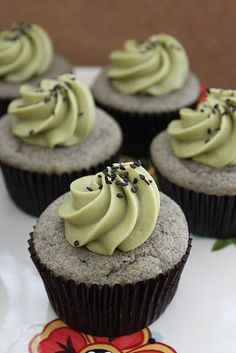 A spin of the classic black sesame and matcha pairing. These black sesame cupcakes with matcha cream frosting are a great alternative to the standard Cupcake Recipes, Baking Recipes, Cupcake Cakes, Dessert Recipes, 12 Cupcakes, Matcha Cupcakes, Drink Recipes, Green Tea Recipes, Sweet Recipes