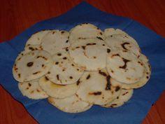 AREPAS (VENEZUELA)   CLICCA QUI PER LA RICETTA  http://www.loscrignodelbuongusto.com/altre-ricette/ricette-estero/183-arepas-venezuela.html