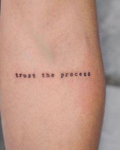 Wörter Tattoos, Dainty Tattoos, Dope Tattoos, Pretty Tattoos, Mini Tattoos, Finger Tattoos, Tatoos, Small Thigh Tattoos, Ankle Tattoos