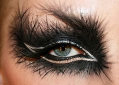 The Crow Eye Make-Up