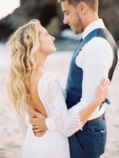 Romantic + bohemian California beach wedding: http://www.stylemepretty.com/california-weddings/big-sur/2015/12/16/romantic-relaxed-elopement-in-big-sur/ | Photography: Winsome + Wright - http://winsomeandwright.com/