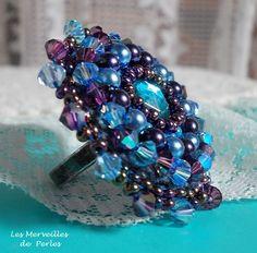 """Bague baroque """"Roses Bleues Royales"""" très généreuses en perles. http://lesmerveillespat.canalblog.com/ http://www.alittlemarket.com/boutique/les_merveilles_de_perles-805099.html"""