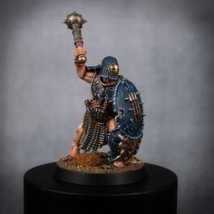 Slowly chipping away at these guys! Iron Legionary from the Warcry Set. Warhammer Models, Warhammer Fantasy, Warhammer 40k, 28mm Miniatures, Fantasy Miniatures, Iron Golem, Age Of Sigmar, Minis, Mini Paintings