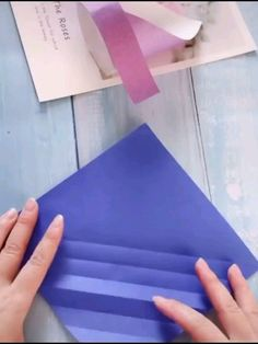Diy Discover How to Make a Paper Snake How to Make a Paper Snake TikTok is THE destination for mobile videos. On TikTok short-form videos are exciting spontaneous and genuine. Whether youre a sports fanatic a pet . Diy Crafts Hacks, Diy Crafts For Gifts, Diy Home Crafts, Diy Arts And Crafts, Creative Crafts, Fun Crafts, Instruções Origami, Paper Crafts Origami, Paper Crafts For Kids