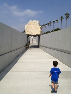 Largest boulder ever transported in modern times? The 340-ton, 21.5 foot high granite boulder from Jurupa Valley was transported to the LA County Museum of Art.