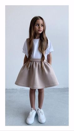 Dresses Kids Girl, Kids Outfits Girls, Little Girl Outfits, Girls Fashion Clothes, Little Girl Fashion, Toddler Fashion, Toddler Outfits, Kids Fashion, Fashion Outfits
