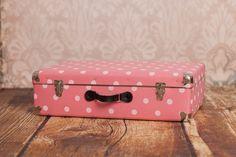 Kufr #Kazeto s puntíky ve stylu retro. Kazeto #suitcase with dots in vintage style.