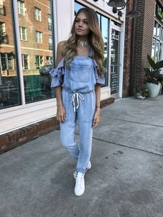 The Carmen Ruffle Crop Top – Swoon Boutique