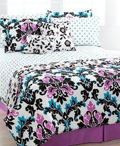bed covers cushions