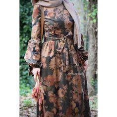 Pinterest: @adarkurdish Hijab Evening Dress, Hijab Dress Party, Hijab Style Dress, Dress Outfits, Islamic Fashion, Muslim Fashion, Modest Fashion, Fashion Dresses, Modele Hijab