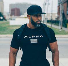 2018 new men cotton Gyms men t shirt Fitness bodybuilding shirt Men In Black, Gorgeous Black Men, Handsome Black Men, Beautiful, Black Men Beards, Black White, T Shirt Fitness, Fitness Man, Workout Fitness