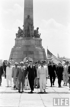 President Eisenhower at the wreath-laying ceremony for national hero Dr. Jose Rizal at Luneta Park, Manila Philippines Culture, Manila Philippines, Jose Rizal, Filipino Culture, Time Of Our Lives, Mindanao, Asian History, Vintage Pictures, Southeast Asia