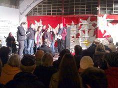 """Gedenkveranstaltung anlässlich der Ermordung der elf Zwangsarbeiter, der Ehrenfelder Edelweißpiraten und anderer Widerstandskämpfer.     Dieses Jahr neu dabei: der Chor aus dem """"Connection"""" - Kneipe (und Wohnzimmer) in der Marienstraße"""