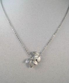 Gold Jewelry Simple, Trendy Jewelry, Cute Jewelry, Jewelry Accessories, Women Jewelry, Leaf Necklace, Simple Necklace, Leaf Jewelry, Pendant Jewelry