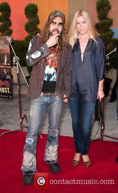 Rob and Sheri Moon Zombie! Sheri Moon Zombie, Rob Zombie Film, Zombie Movies, Zombie Life, Zombie Zombie, Wave Dance, Robert Cummings, White Zombie, Kim And Kanye