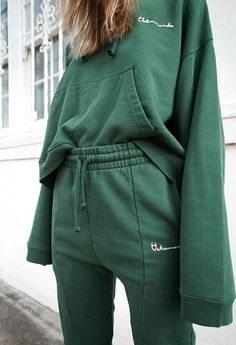 33 Green Outfit will Keep You Fresh Throughout The Day